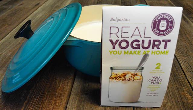 yoghurtstarter til hjemmelaget yoghurt med le creuset gryte